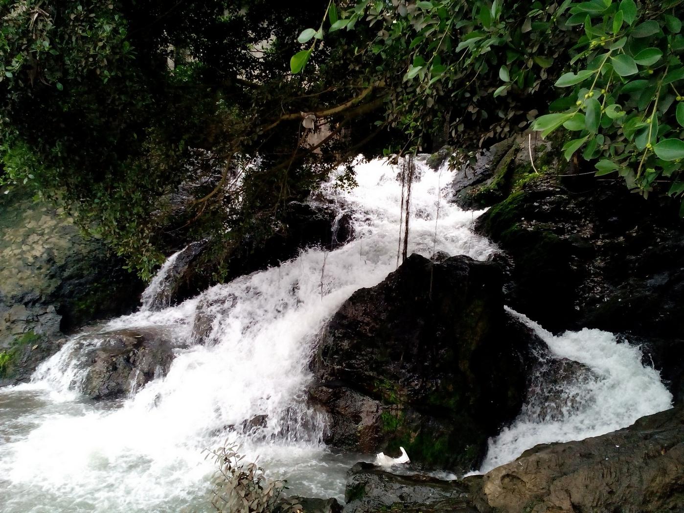 Waterfall, Yangshuo, Guilin, China, guangxi