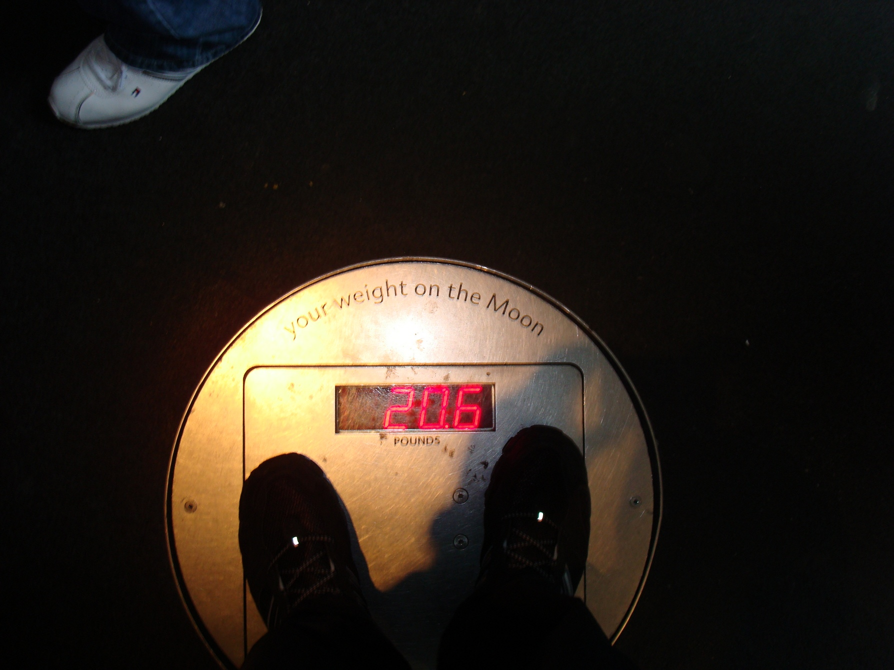 New York City, AMNH, Weight on the Moon