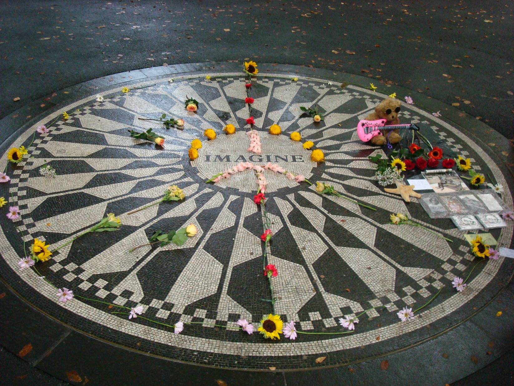 New York City_Central Park_John Lennon Memorial