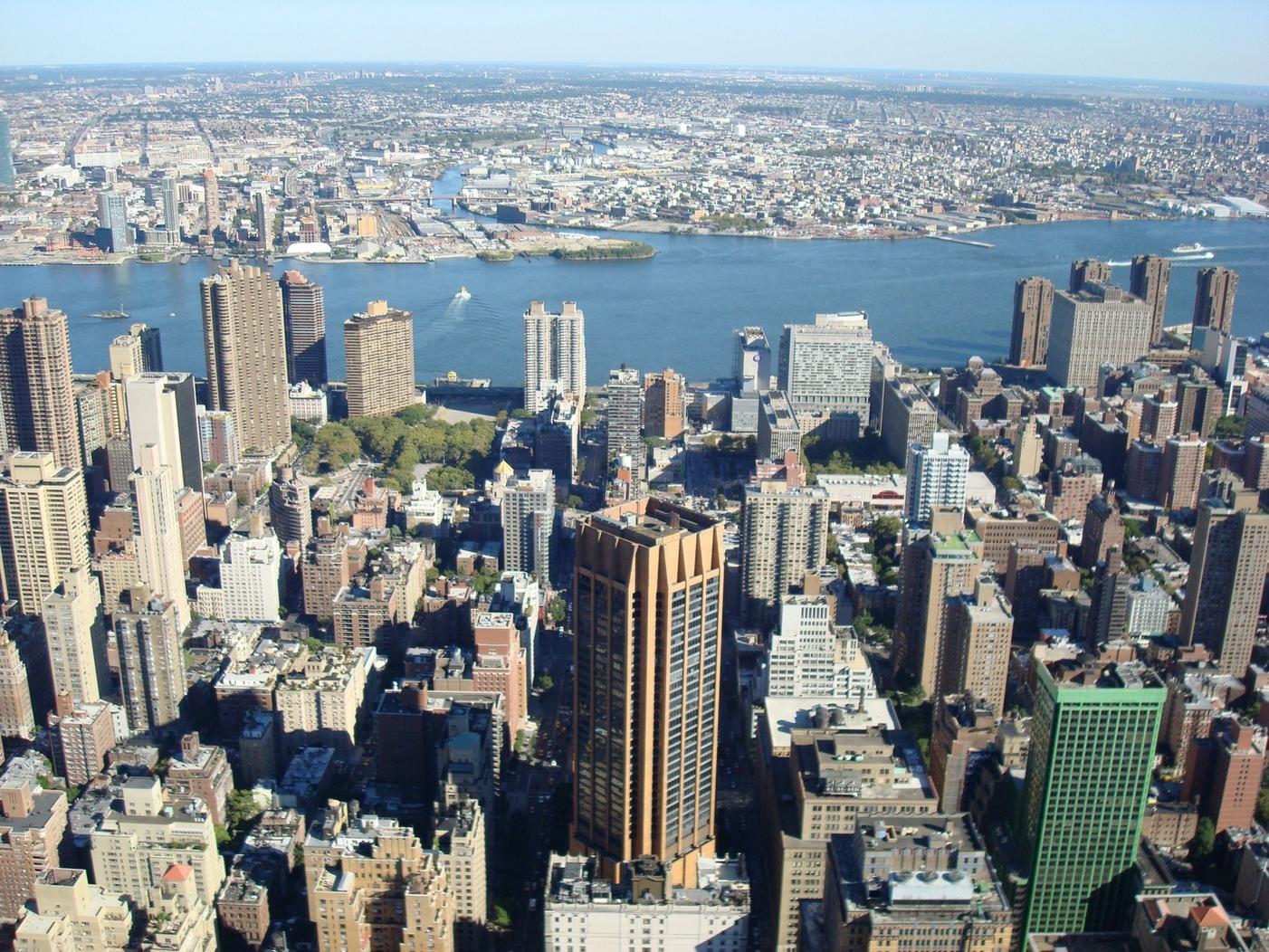 New York City_EmpireStateBuildingObservatory_ViewofMiddleManhattan_NiceBuildings