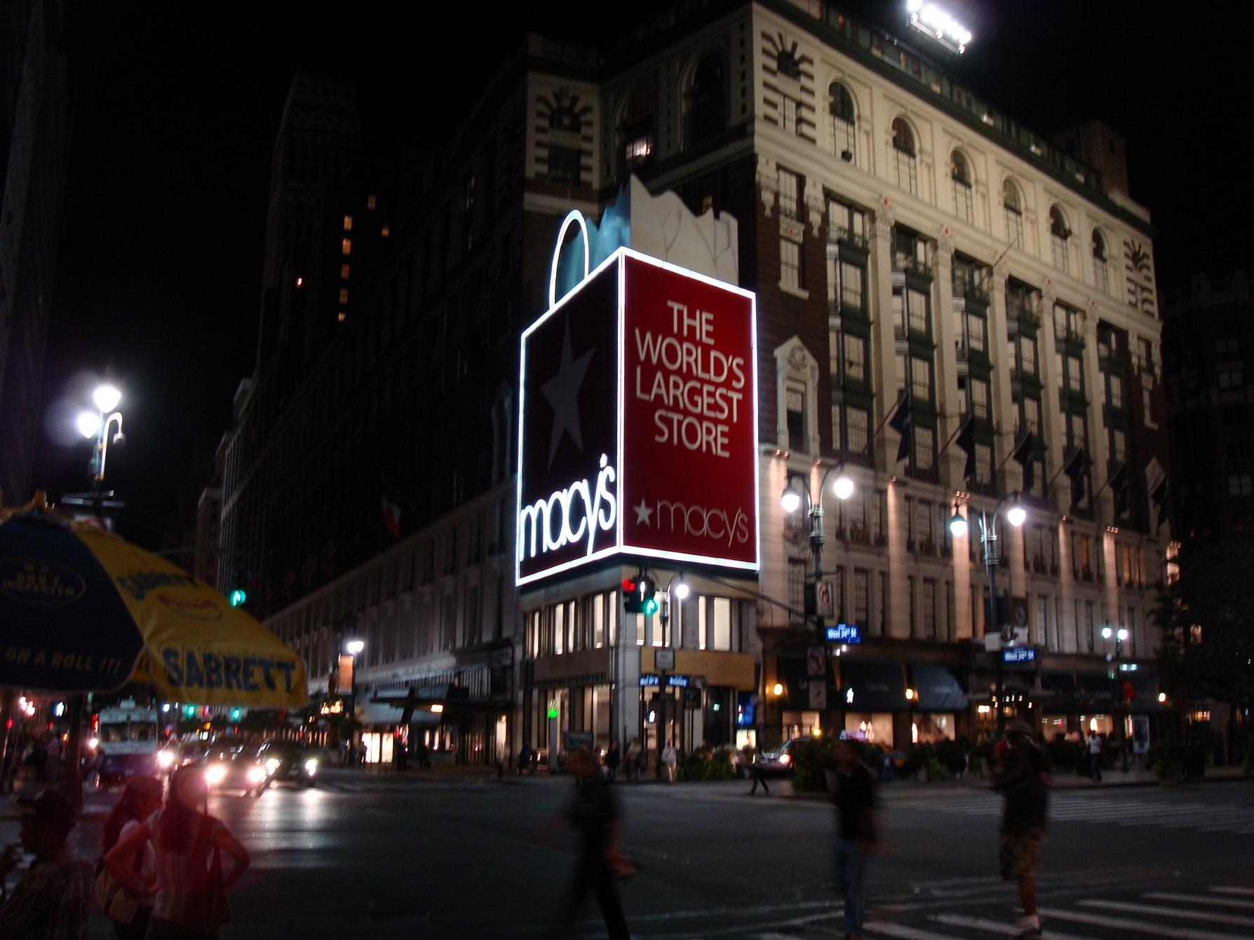 New York City_Macy's_TheWorldsLargestSotre