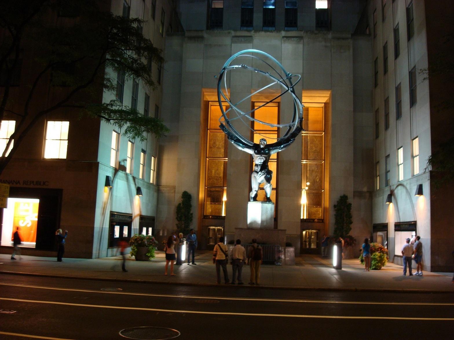 New York City_Manhattan_AtlasBronzeStatue_RockefellerCenter