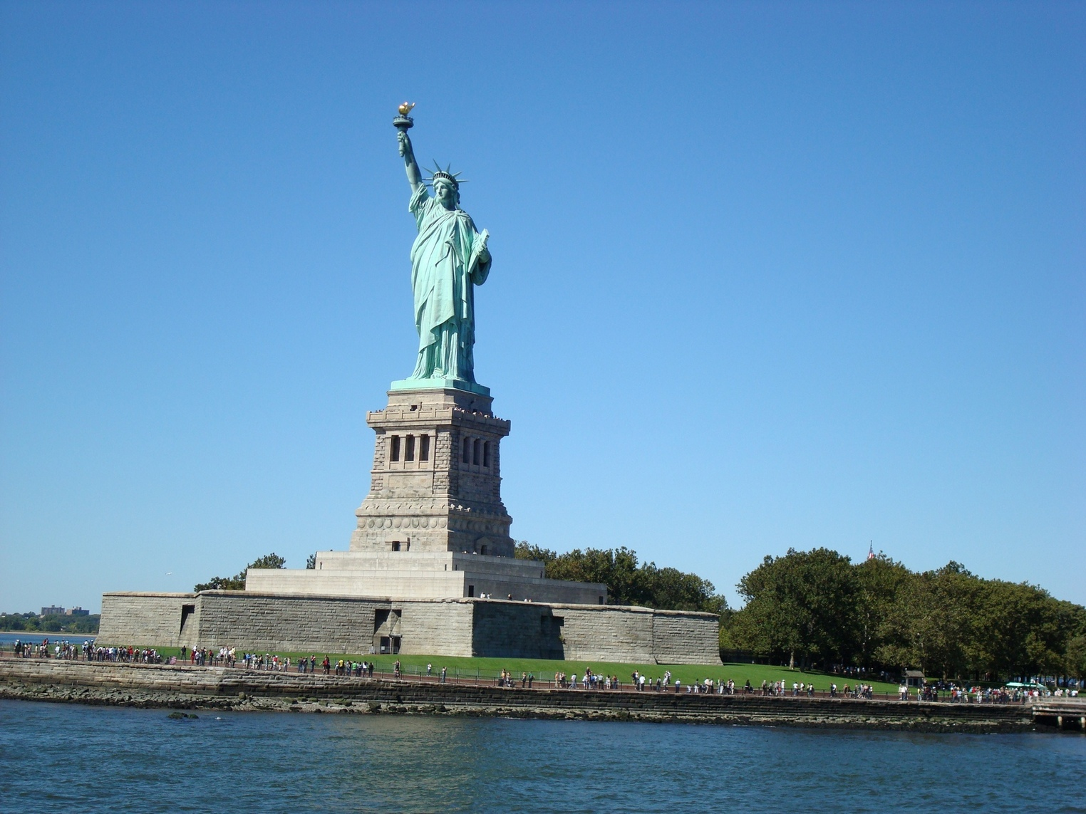 New York City_StatueofLiberty_Approaching