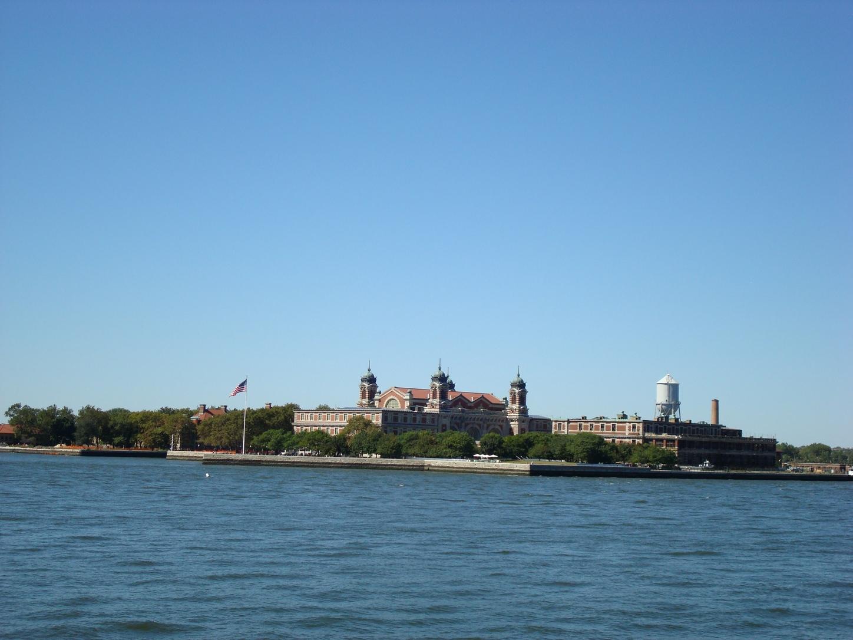 New York City_StatueofLiberty_EllisIsland_Distance