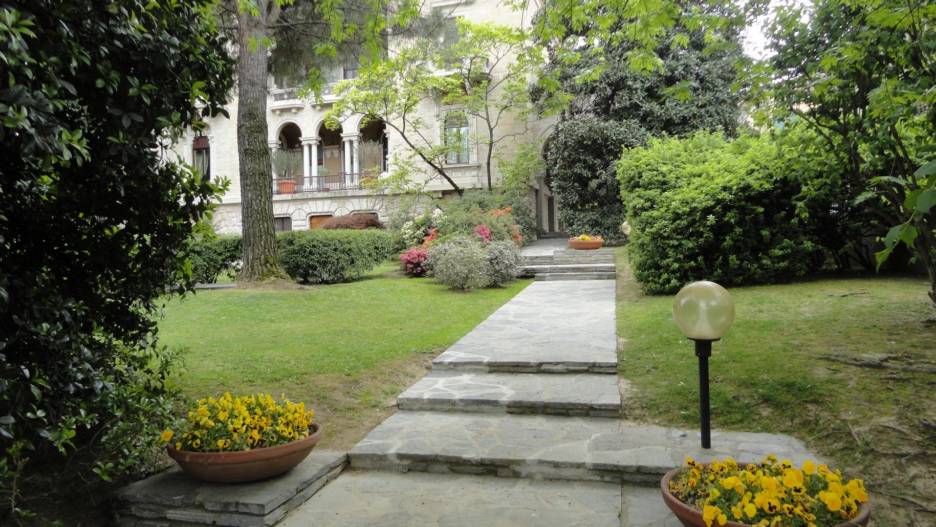 Green Bergamo Italy Amazing Scenery