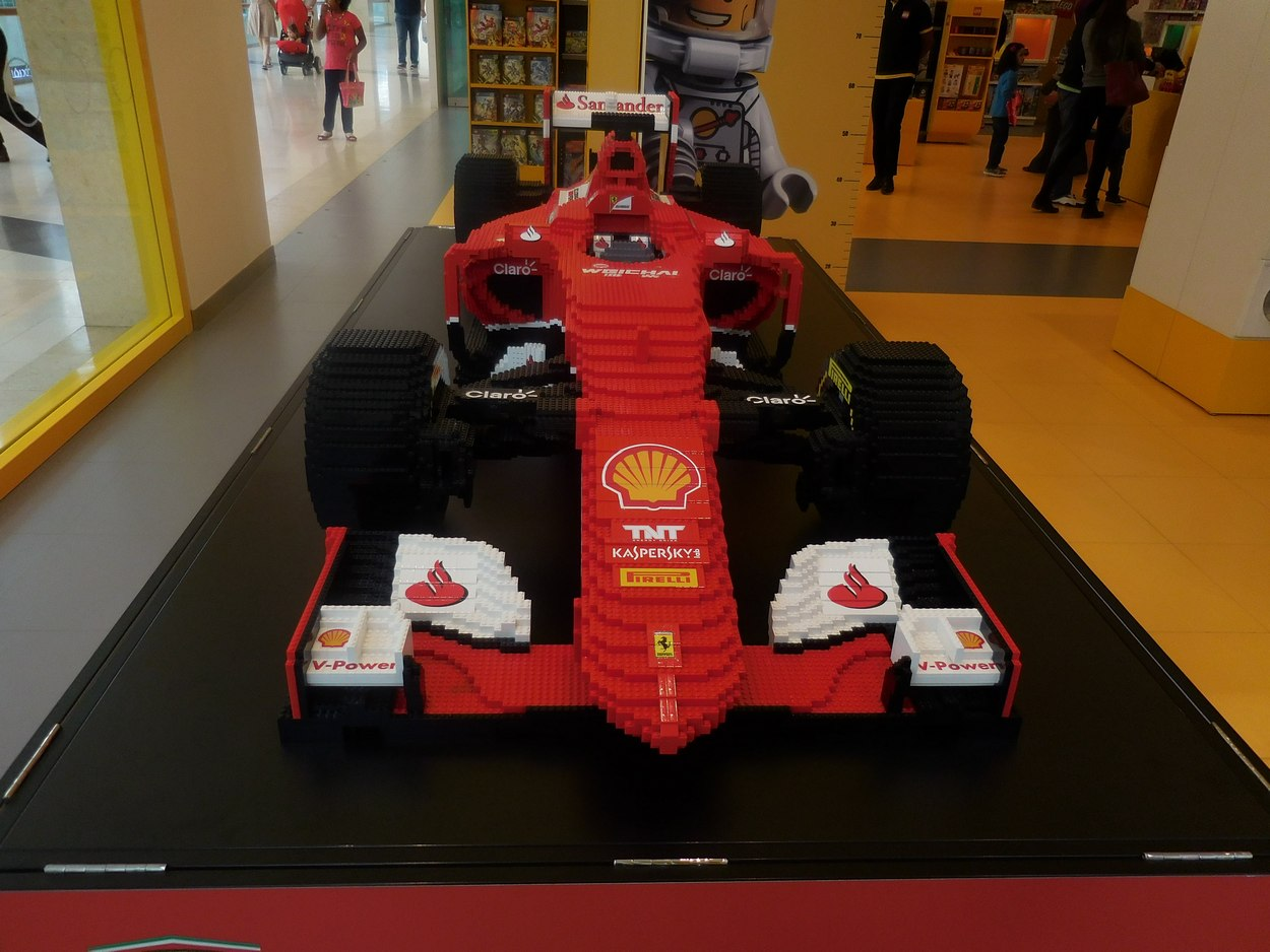 Abu Dhabi, Ferrari World, F1 Lego Car, UAE, Bolide