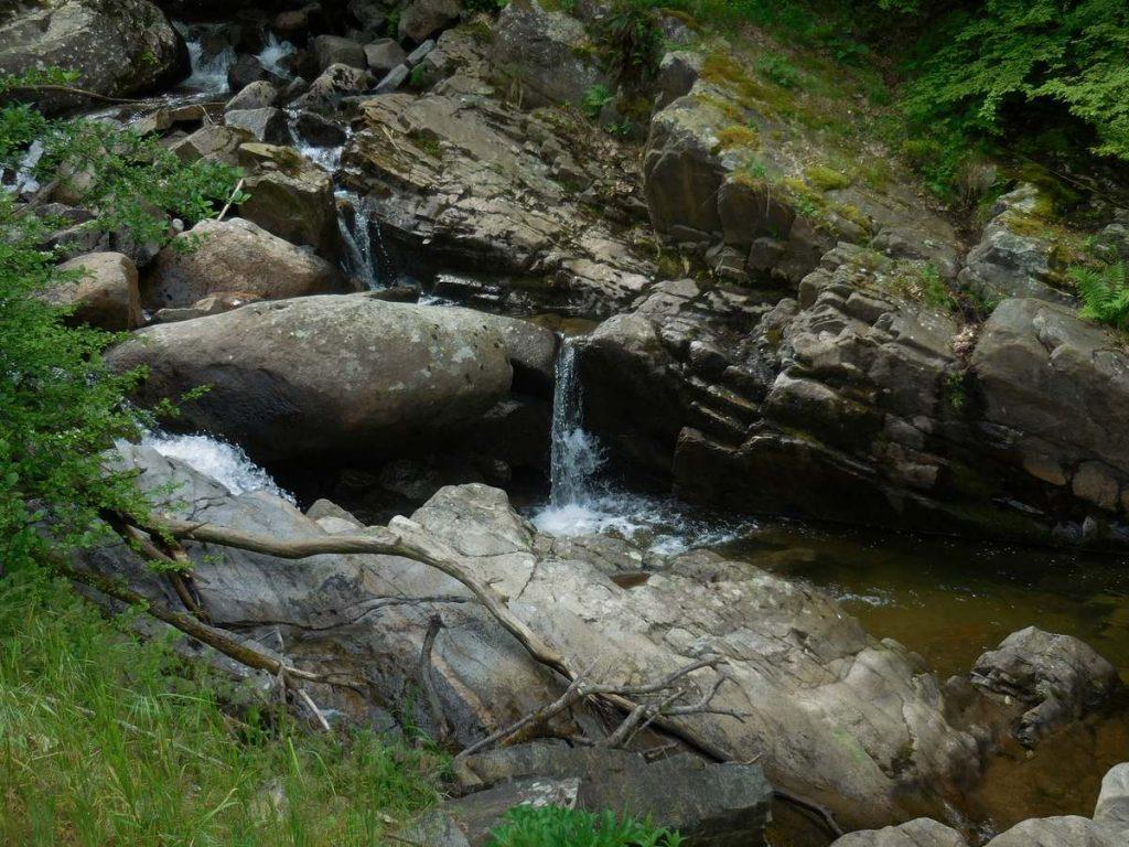 Zlatnite Mostove, Vitosha Mountains, Creek Image 2, Bulgaria
