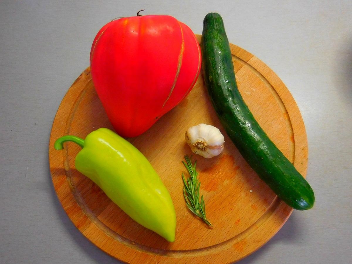 Bulgarian Fruits and Vegetables, Featured Image, Tomatoes, Cucumbers, Peppers