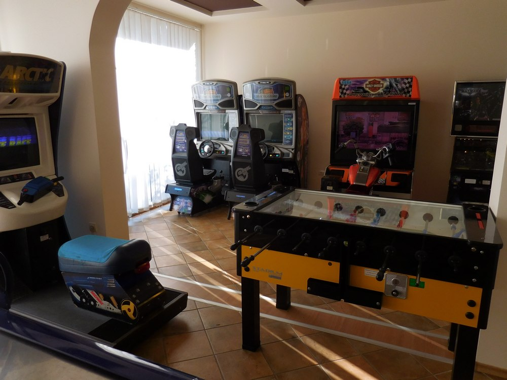 Green Wood Hotel & SPA, Bansko, Bulgaria, Arcade Game Room