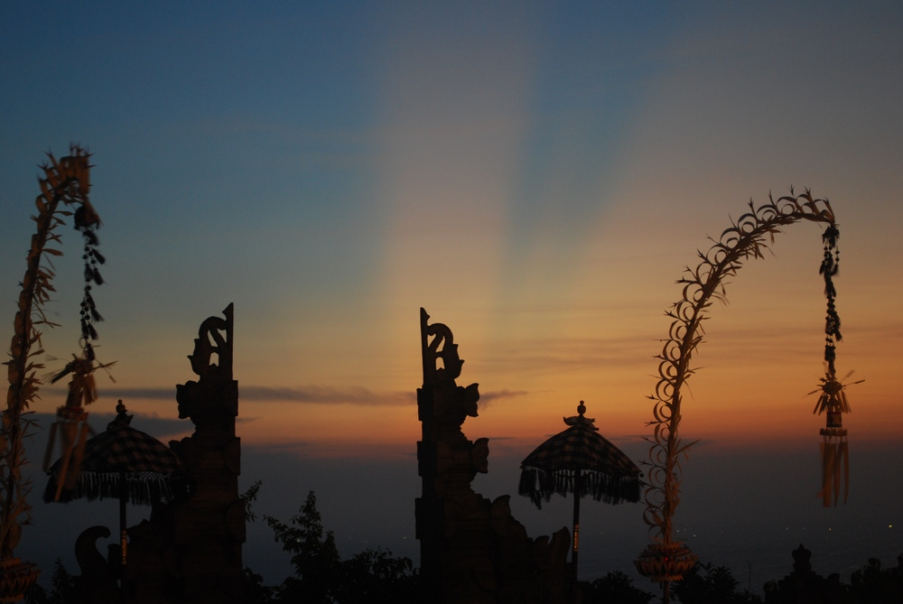 50-words-challenge-bistra-nace-bali-sunrise