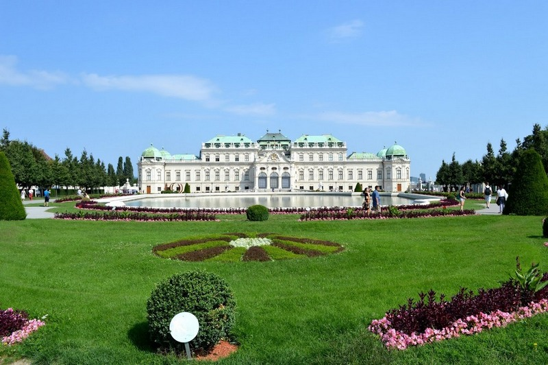 50-words-challenge-sany-vienna-palace