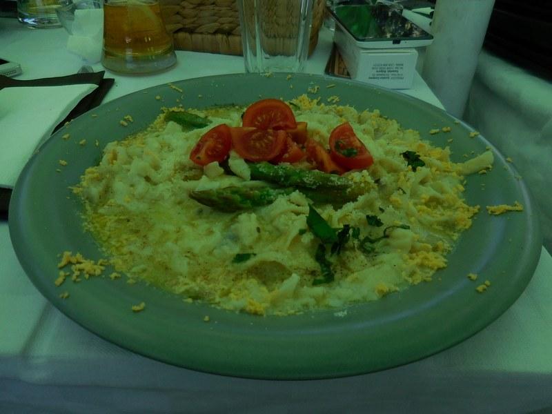 karlovo-bulgaria-edit-restaurant-fresh-pasta-asparagus