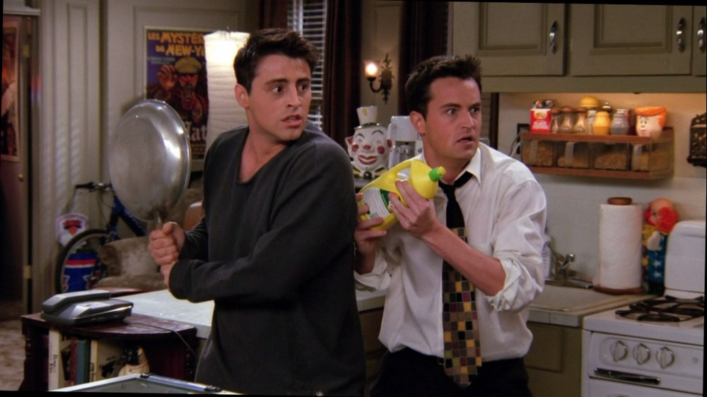 The Trap of Social Media, Photo Friends, Joey and Chandler, Panic Attack