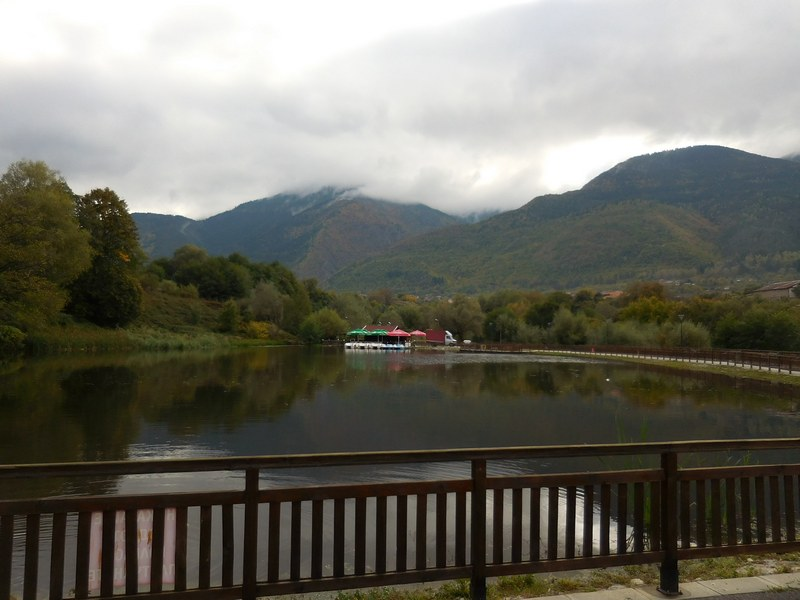 dupnitsa-bulgaria-park-rila-pond-mountain-view