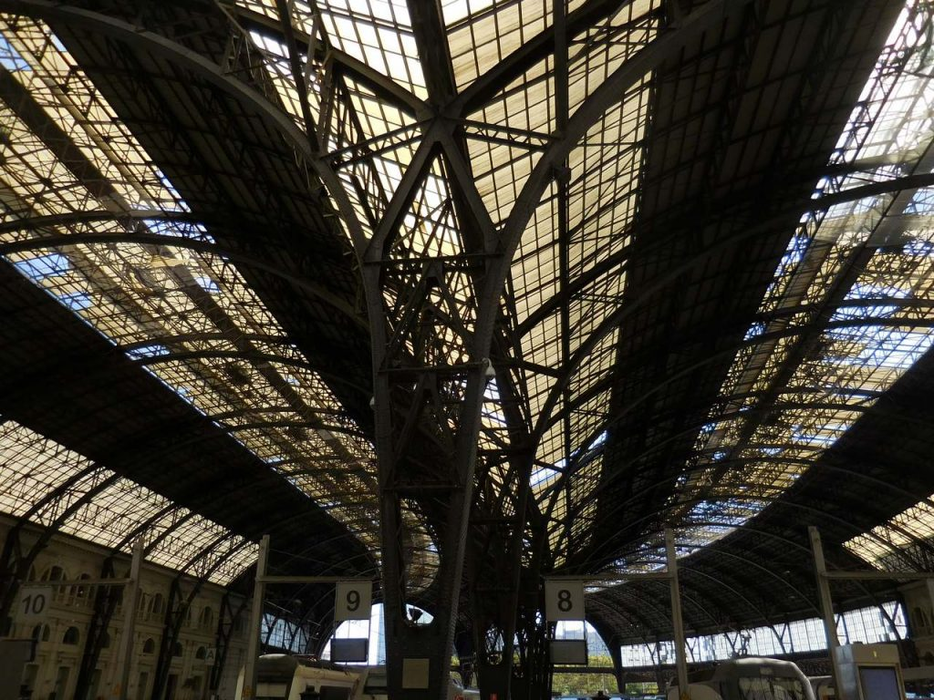 barcelona-spain-france-catalonia-railway-station