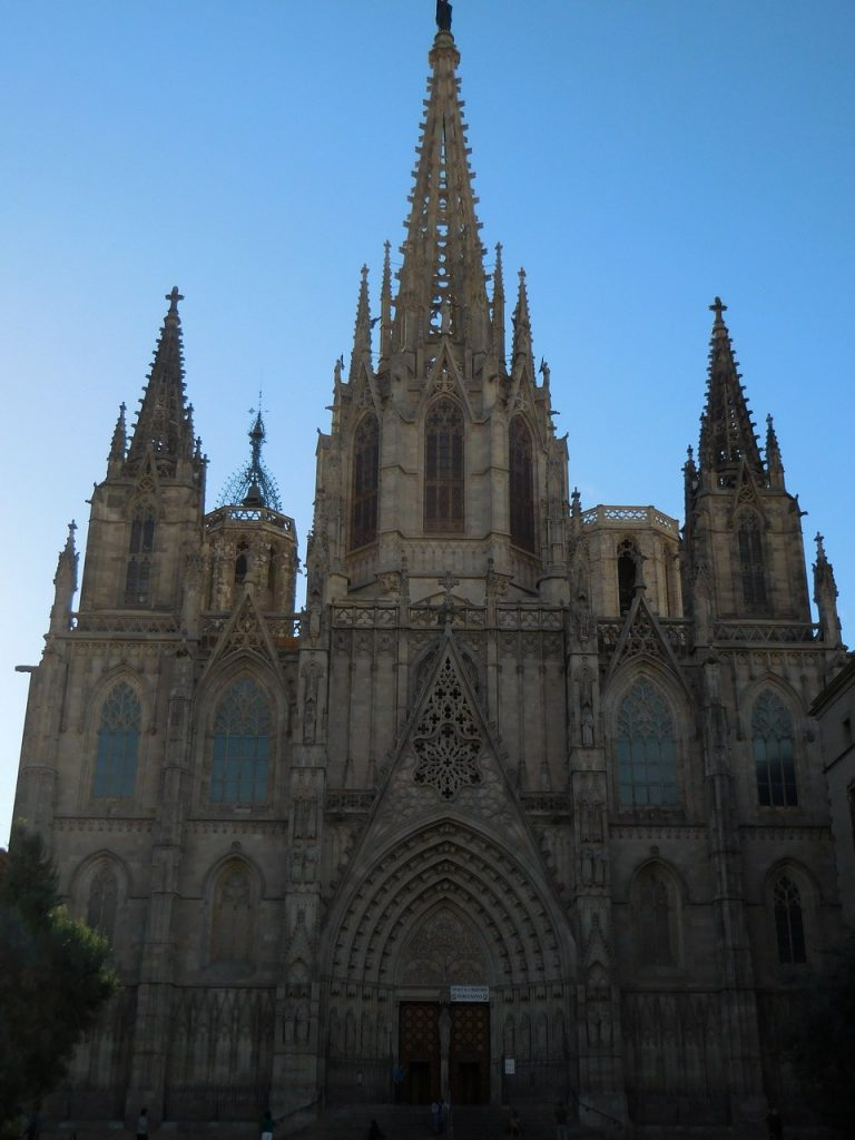 barcelona-spain-gothic-majectic-cathedral