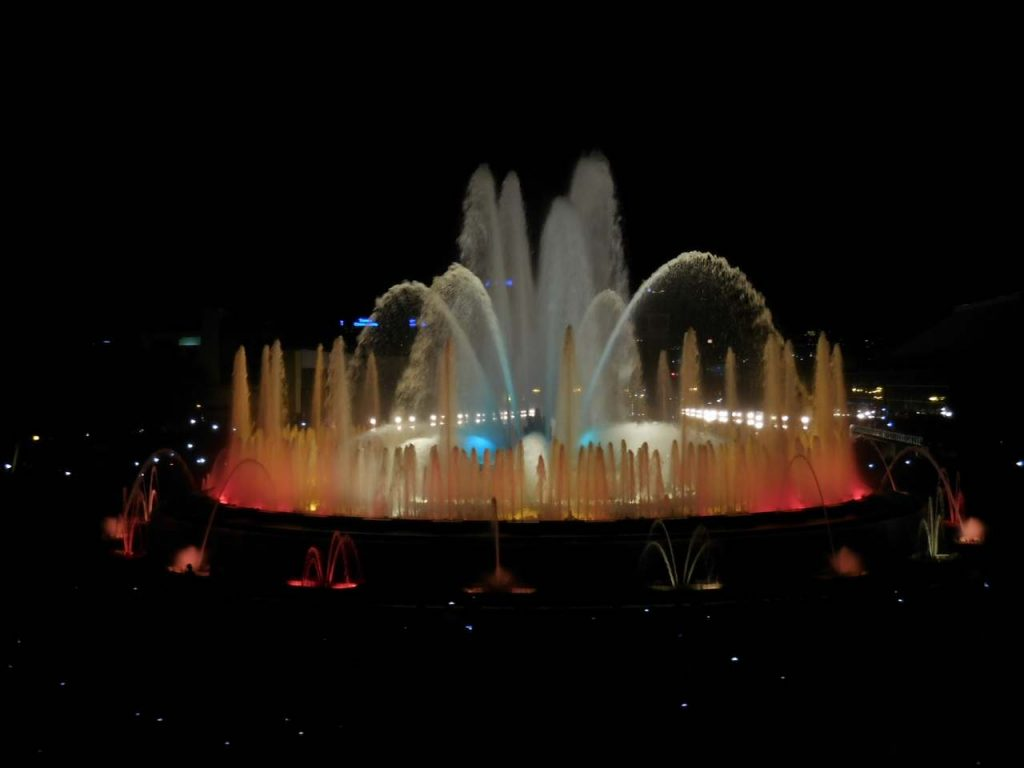 barcelona-spain-montjuic-magic-fountain-light-show