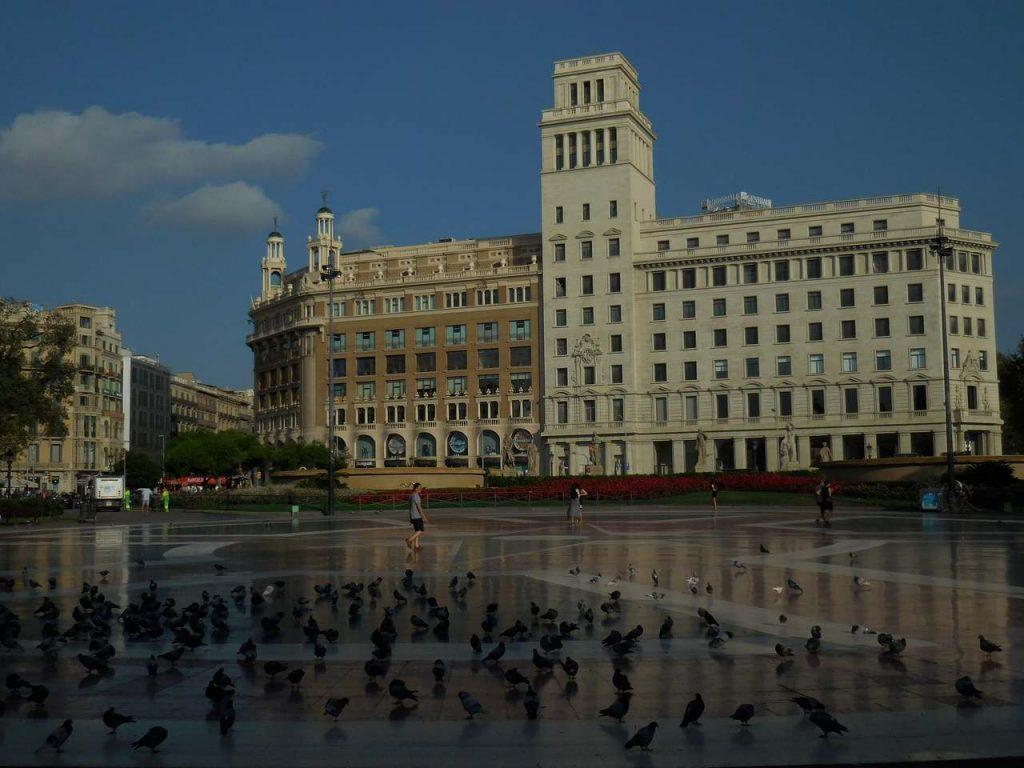 barcelona-spain-placa-cataluniya-centre