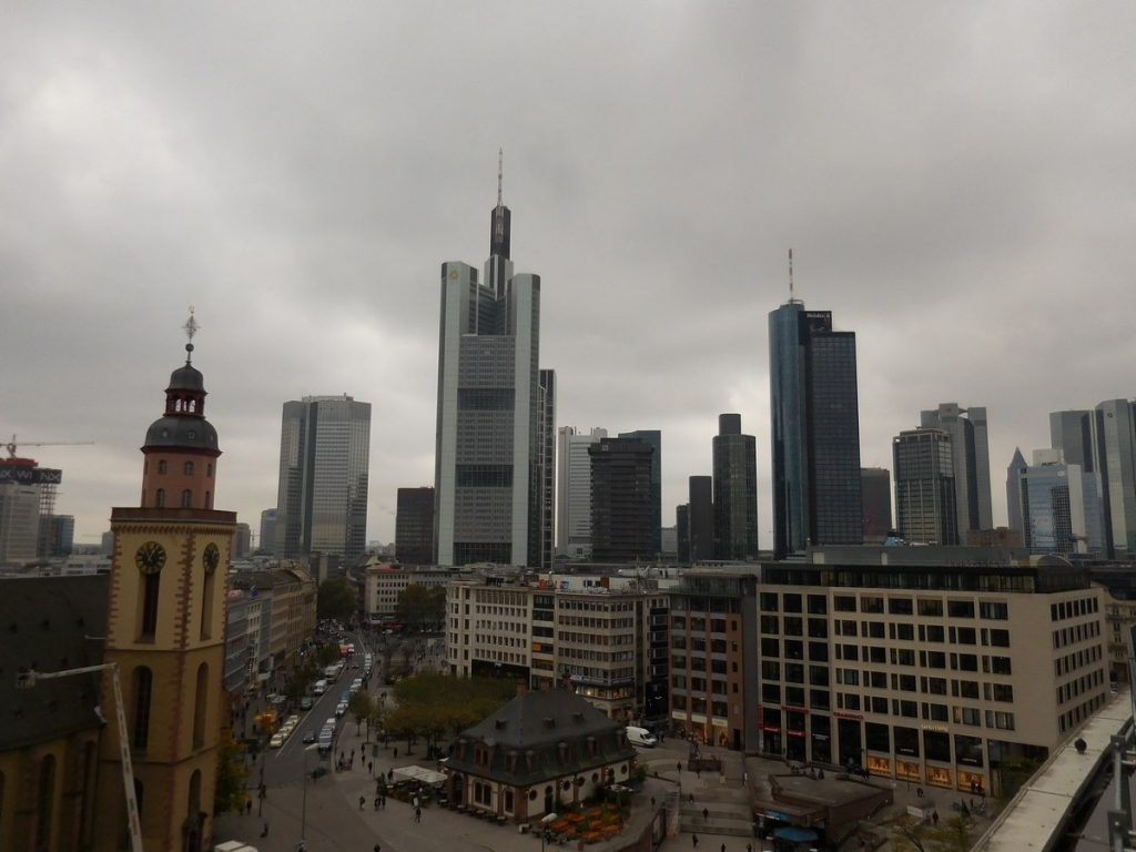 frankfurt-hesse-germany-galeria-kaufhof-skyline-panorama