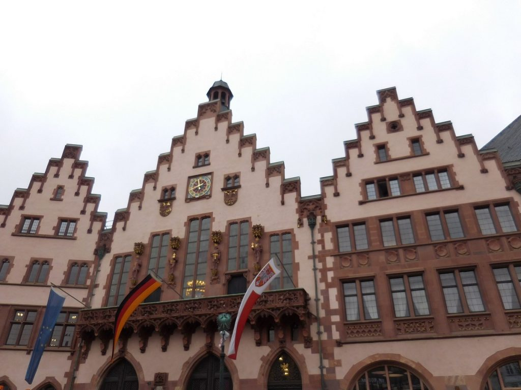 frankfurt-hesse-germany-roemerplatz-old-city-hall