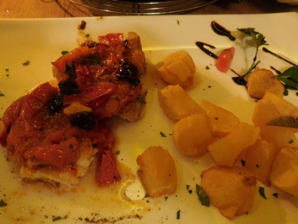 kassel-hesse-germany-casa-manolo-segundo-devil-fish-patatas-bravas