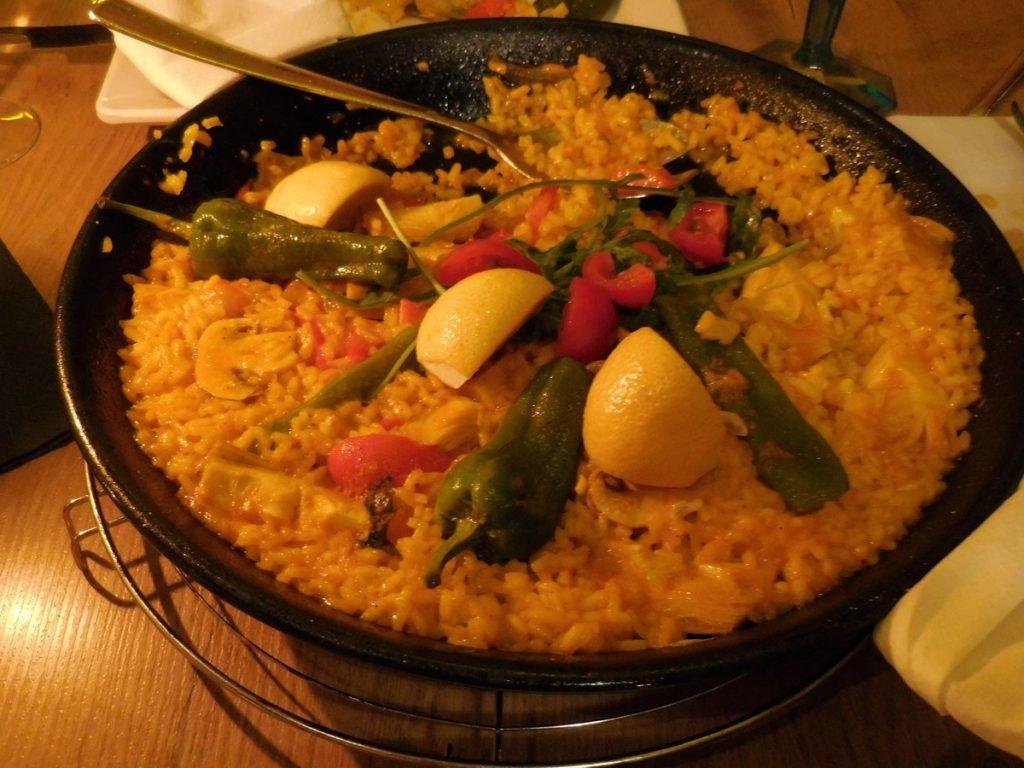 kassel-hesse-germany-casa-manolo-segundo-veggie-paella