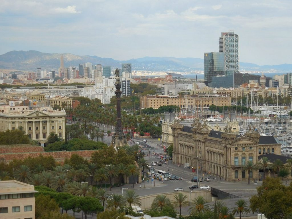 photos-of-barcelona-columb-monument-montjuic-hill