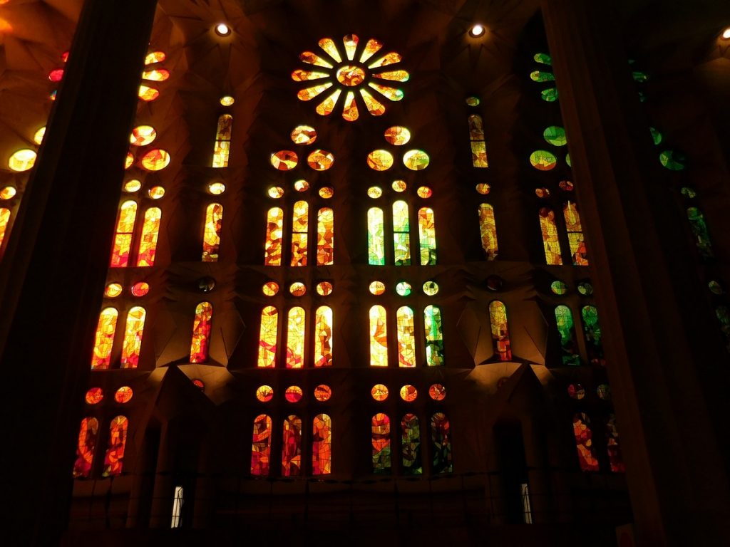 photos-of-barcelona-sagrada-familia-interior-stained-glass