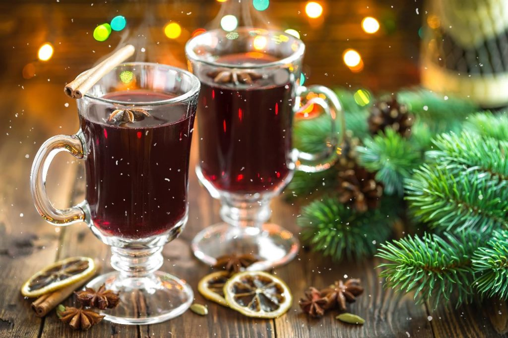working out-snow-mulled-wine-holidayhypermarket-image