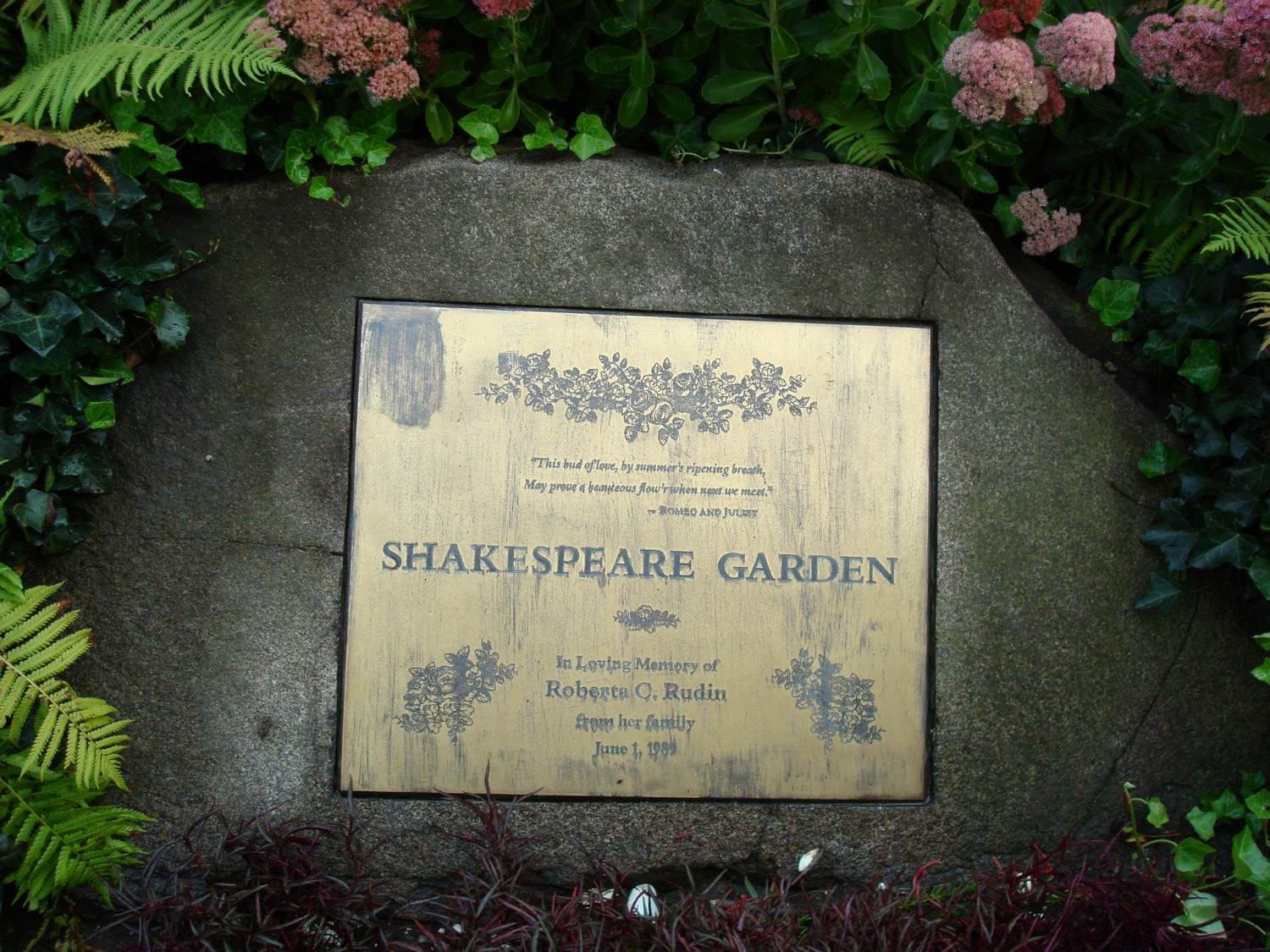 work and travel, usa, new york city, central park, gorgeous shakespeare garden