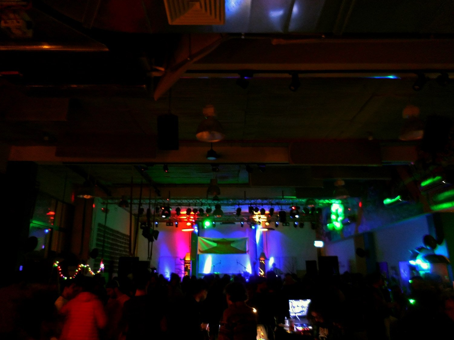 Abraham hostel, rave and electric party