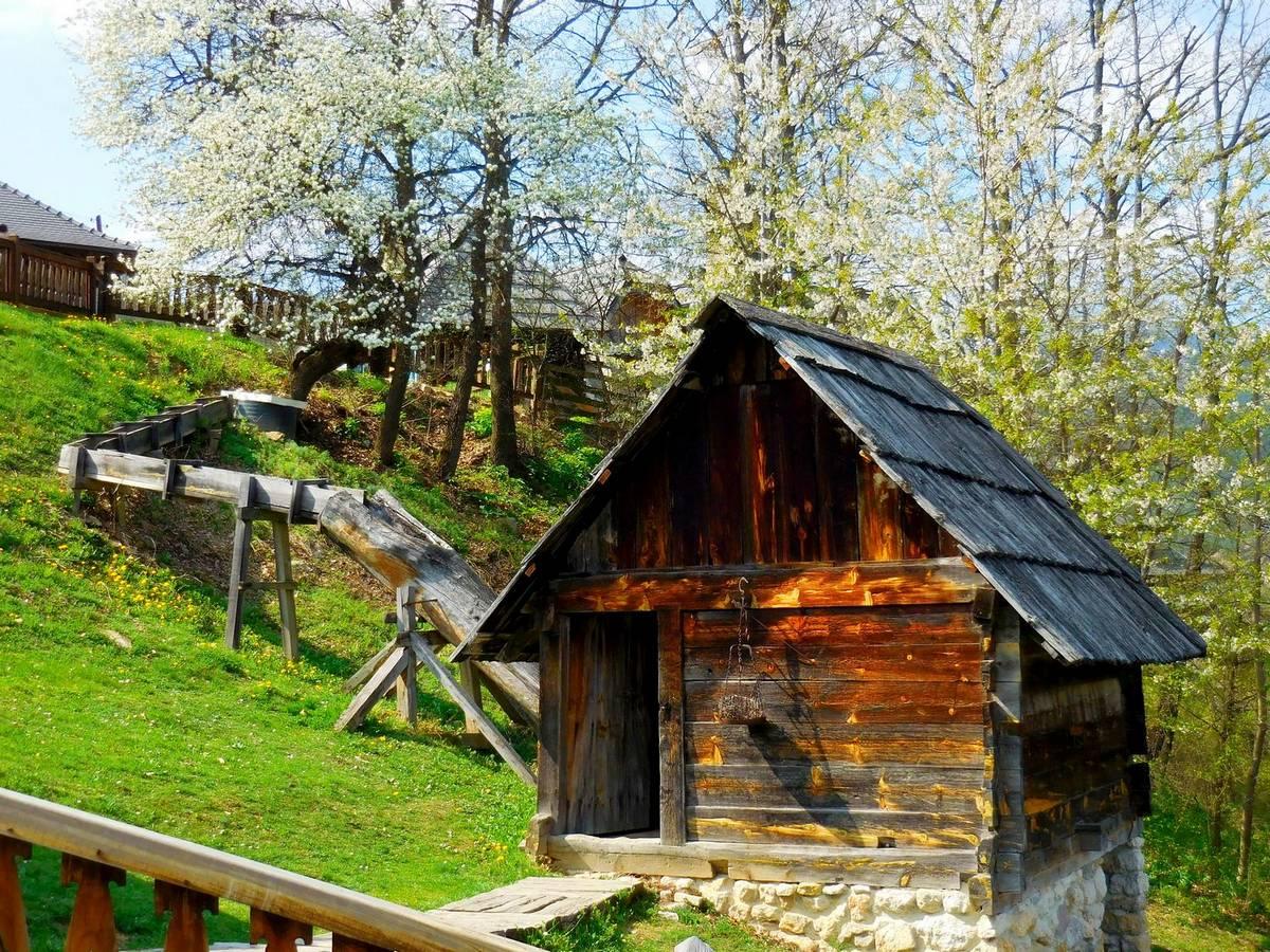 drvengrad, serbia, kustendorf, kusturica