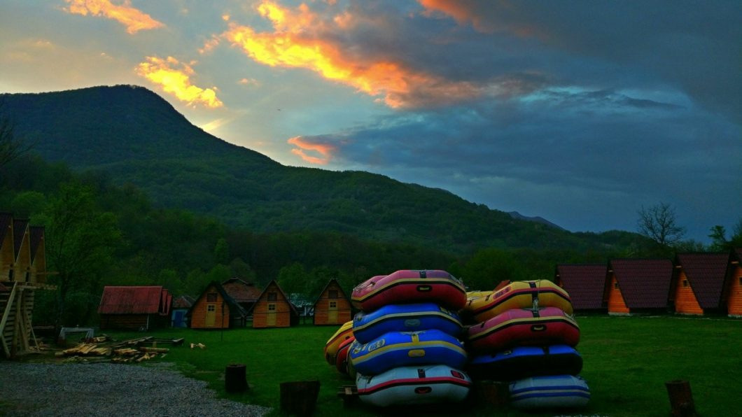 rafting tara, bosnia and herzegovina, featured image, dusk