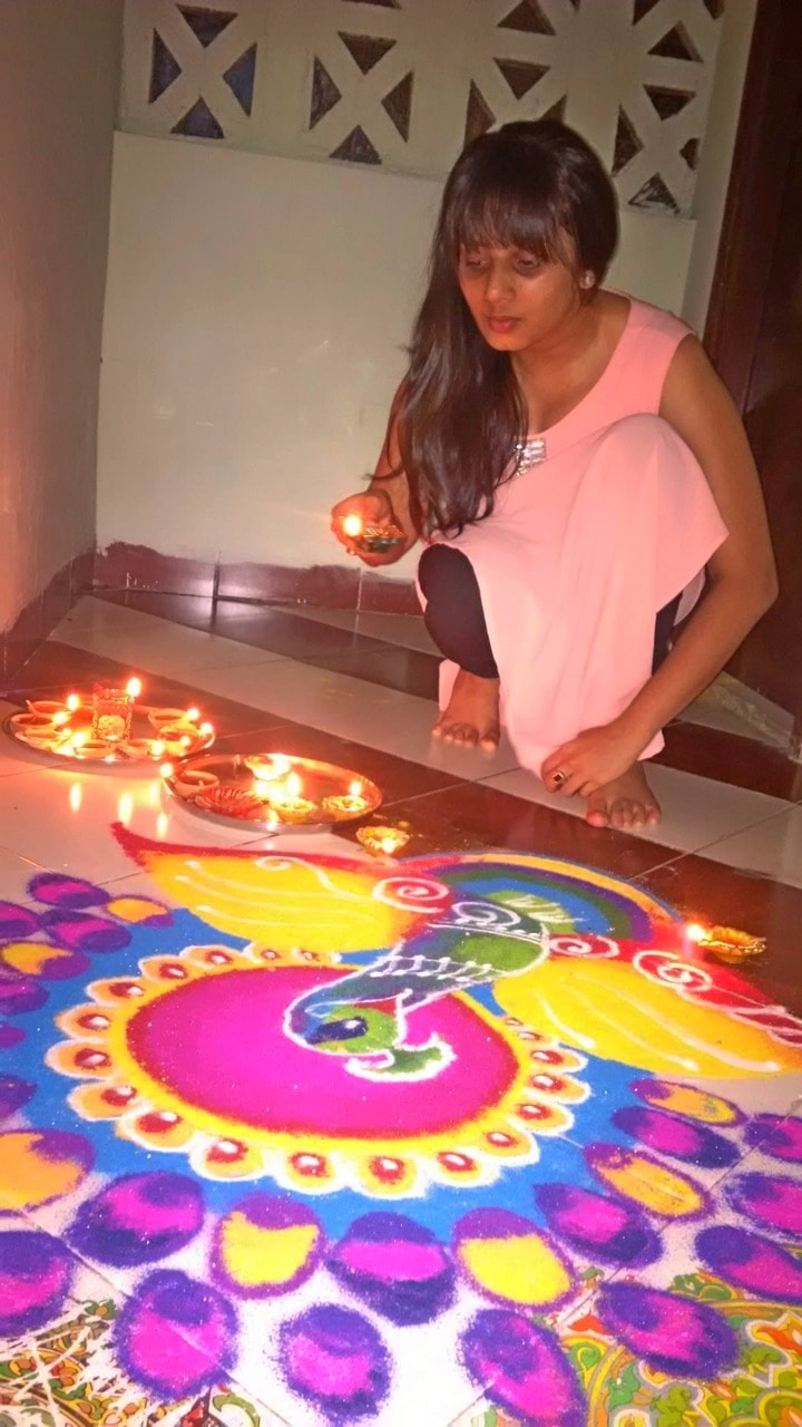 Sushmita Jain, Business Strategiest, Arranging Candles
