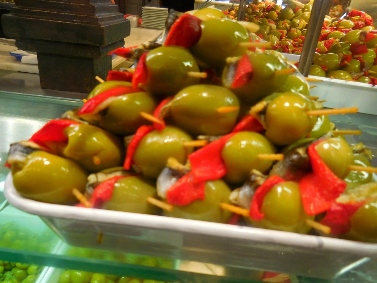 Madrid, Mercado San Miguel, Olives, Tapas