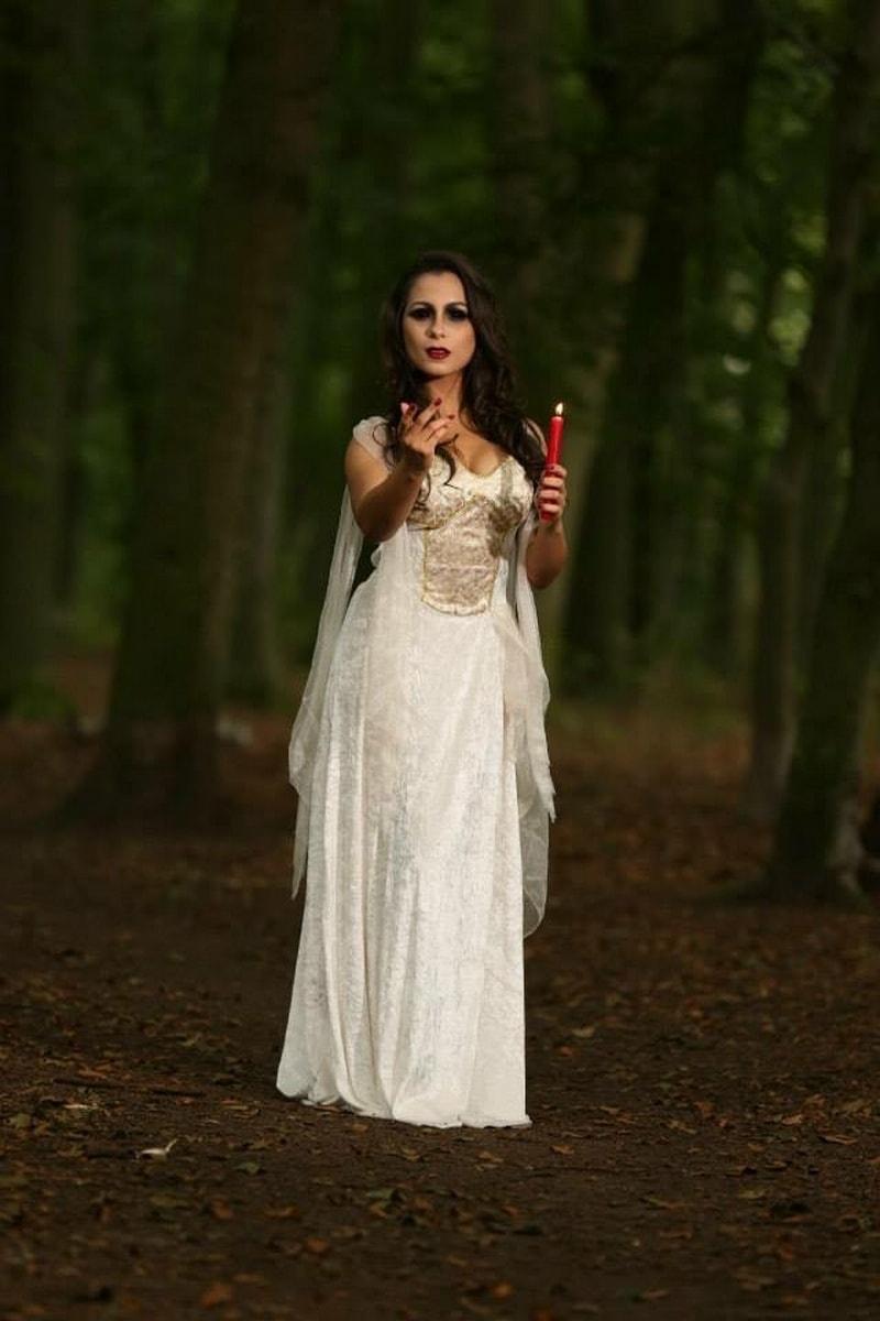 Young Entrepreneurs Talk, Ariane de Melo, Cemetery Shot, Candle