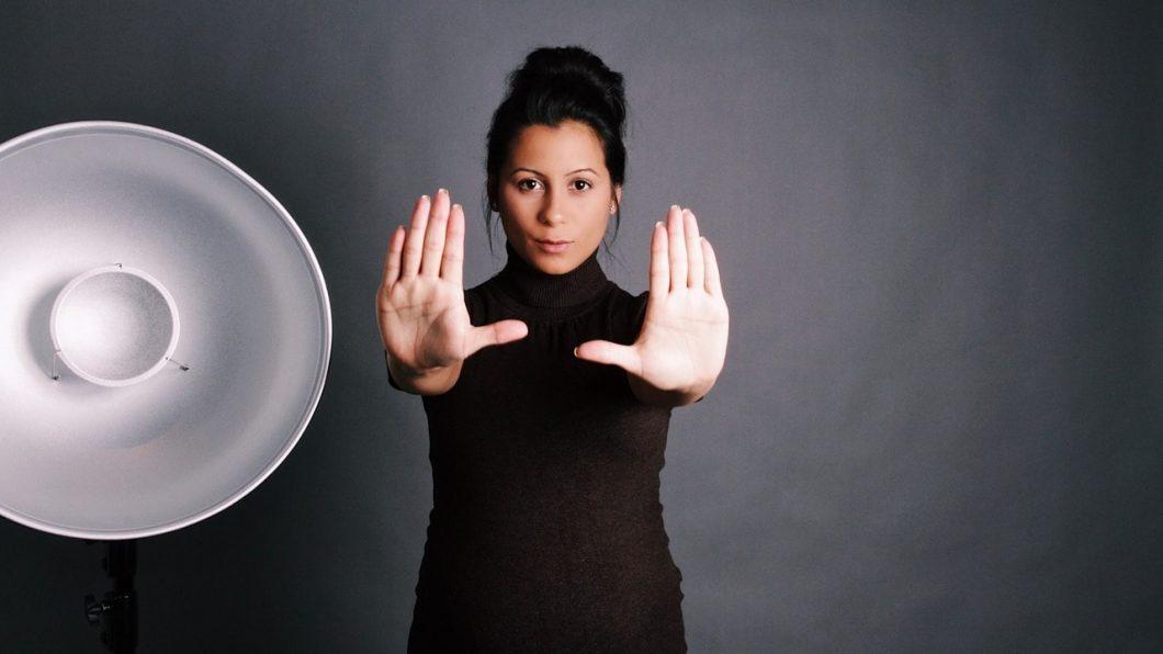 Young Entrepreneurs Talk, Ariane de Melo, Featured Image, Hands Up